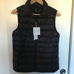 UNIQLO Ultra Light down vest size medium black